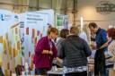 Stoisko informacyjne WUP w Lublinie w ramach Programu Operacyjnego Wiedza Edukacja Rozwój oraz Regionalnego Programu Operacyjnego WL, osoby zainteresowane