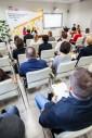 Prowadzący oraz uczestnicy spotkania (zdjęcie 4)